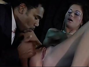 jessica-fiorentino-interracial-mature-mom-ass