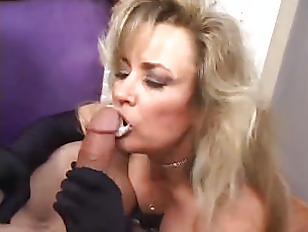 Mature cougar anjelica fox smoking blowjob