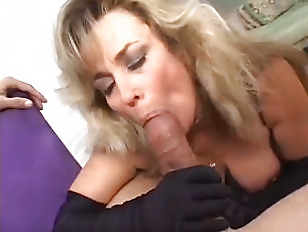 Picture Hot Cougar Anjelica Fox Smoking Blowjob