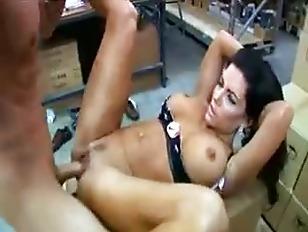 pussy_1323579
