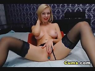 Amateur Blonde Babe Masturbating...