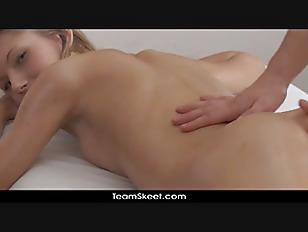 Grote tieten en harige pussy neuken