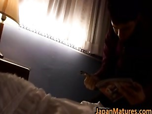 Picture Mature Japanese Chick Gets Fingered And Suck...