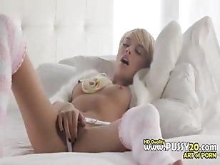 Absolutly Hot Blonde Fingering...