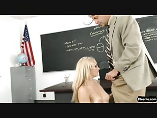 Picture Schoolgirl Needs To Pass Her Class And Seduc...