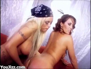 Nicole Moore Lez...
