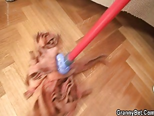 Picture Cleaning Woman Gets Her Pussy Filled With Co...