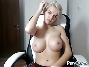 Big Boobs Blonde Masturbating On Webcam