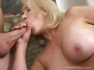 Picture Blonde Milf Erica Lauren