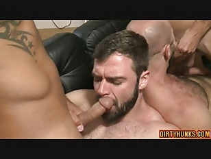 Muscle Daddy Flip Flop With Cumshot