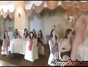 Picture Cute Bear Party