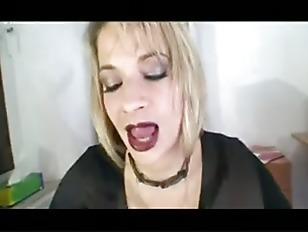 MILF secretary needs cum in her shoes
