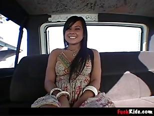 Very Bang bus samira kiss
