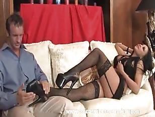 Audrey Bitoni Has Hot...