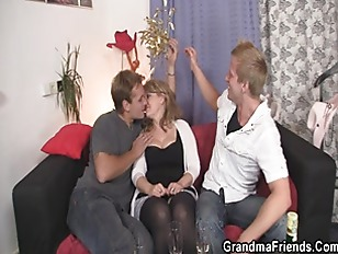 Picture Cocksucking Mom Is Riding Cock