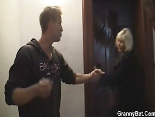 Picture Blonde Granny Allows Him Drill Her Old Cunt