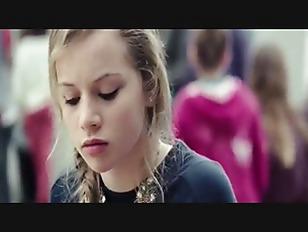 ハミパンしてる女子中学生がキモおやじにおまんこを弄られてアヘ顔の学生系動画