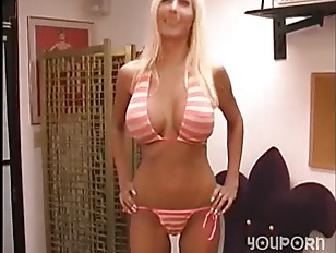 Big Tit Blonde Babe...