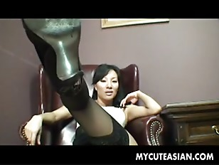 Irresistible Asian babe cummed...