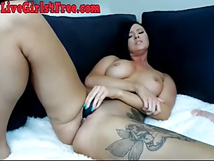 Webcam Slut Masturbates To...