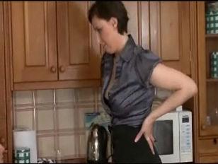 British MILF Lara Latex...