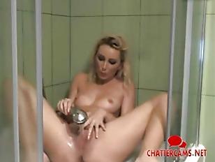 Hot Babe Showerhead Masturbation...