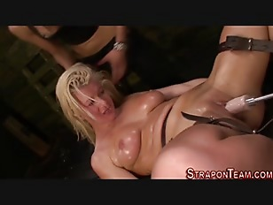 Harsh Mistress Strapon...