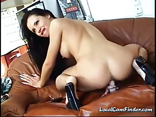 porno-brutal-sexy-toys-and-brunette-babe-tease