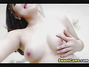 Slutty Japanese Chick Masturbate...