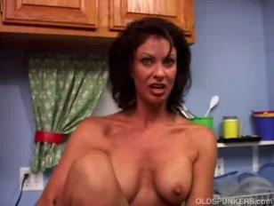 Sexy MILF Vanessa Videl...