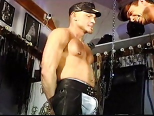 Picture CBT Muscle Stud Orgy, The Ball Punching Warm...