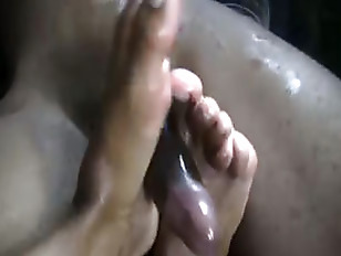 Picture Latina Squeezes Out Jizz With Her Toes