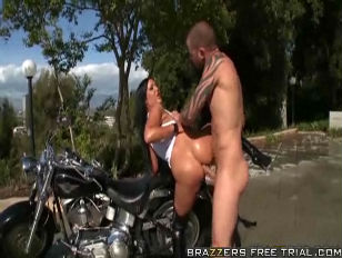 Picture Angelica Heart Fucks On A Bike