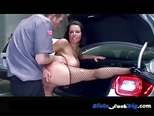 Picture The Whore In The Lot P4