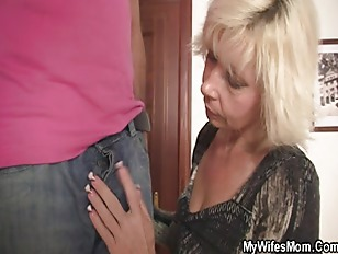 Picture She Finds Them Fucking And Gets Furious
