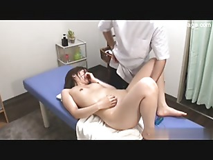 Japanese Babe Gets A...