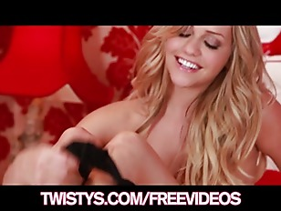 Picture Mia Malkova Rubs Herself To Orgasm and Licks...