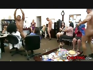 Picture Male-Strippers With HugeDick Gets Blowjobs A...