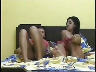 diana and latifa awesome lesbian kiss