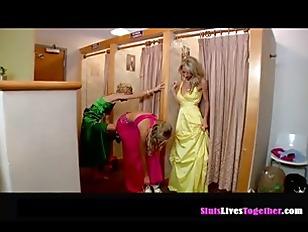 Picture Three Pretty Ladies P1