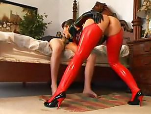 Picture Carrie Anne Latex Milf