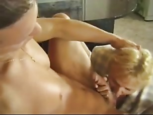 Picture Blond Mom Fucks The Delivery Boy